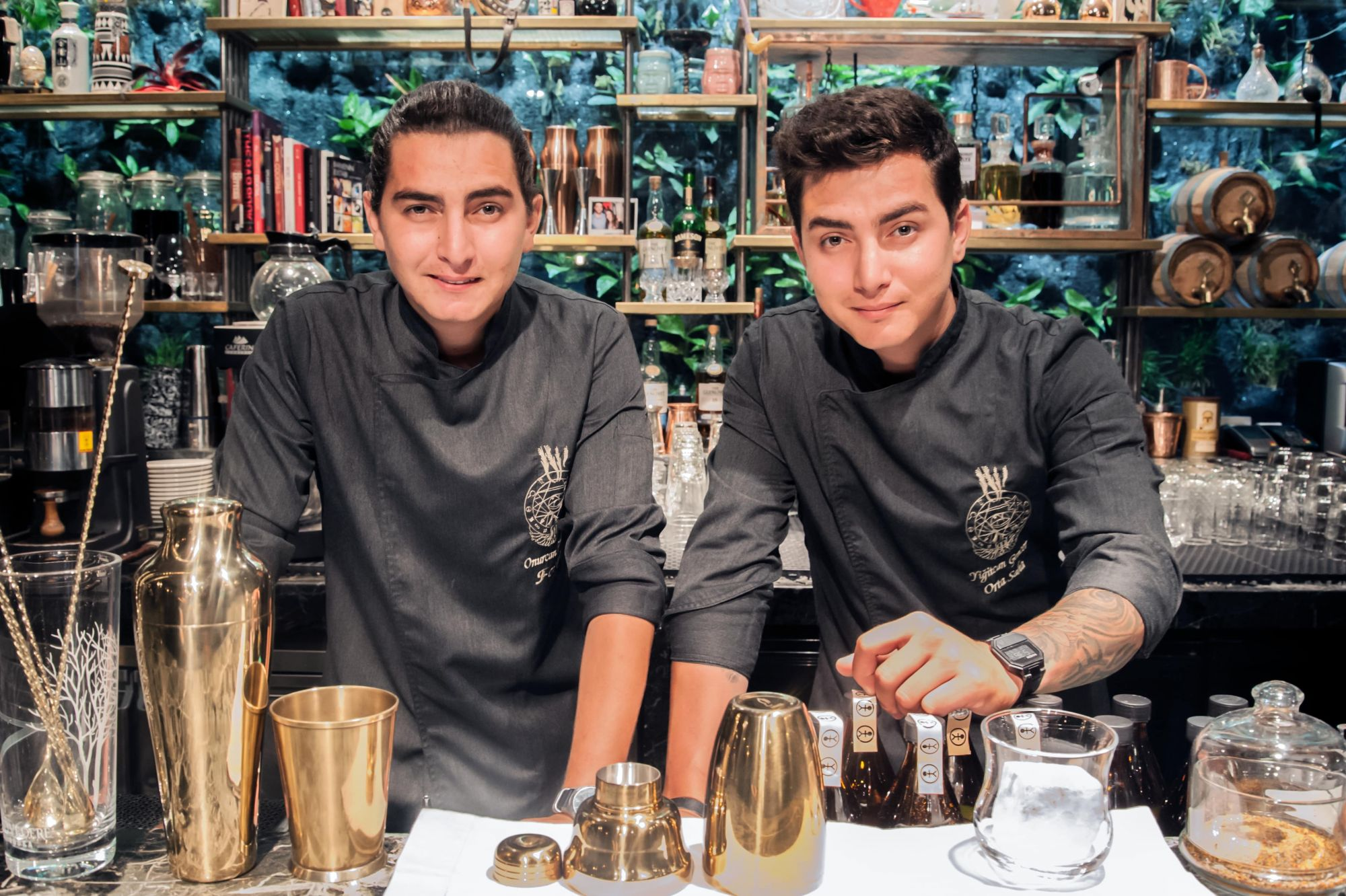 Shangri-La Hotel Hosts Twin Mixologists Straight From Istanbul