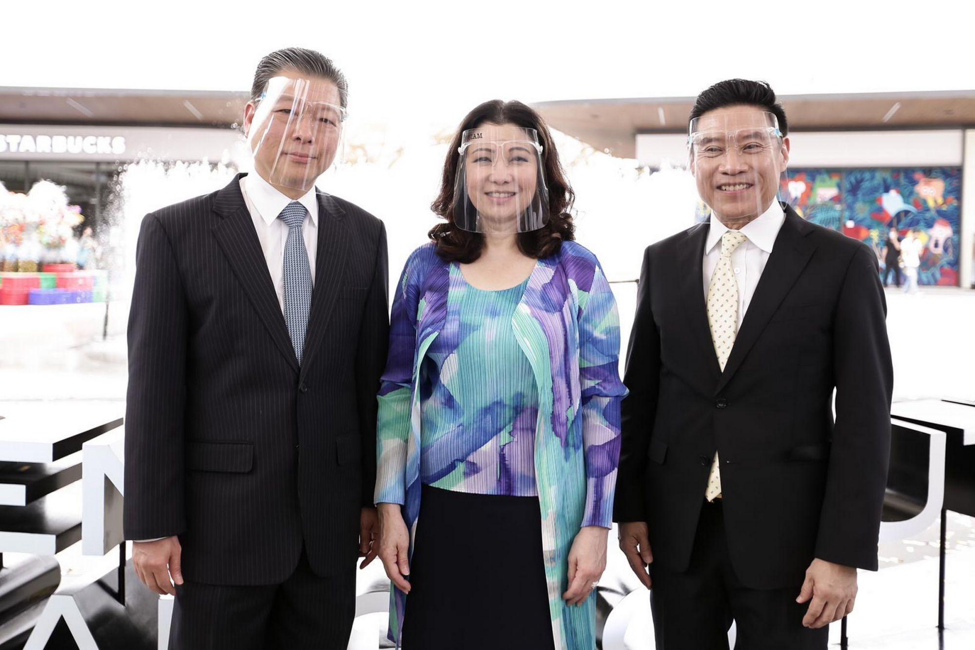 Suvait Theeravachirakul, Chadatip Chutrakul and Kasemsuk Chongmankhong