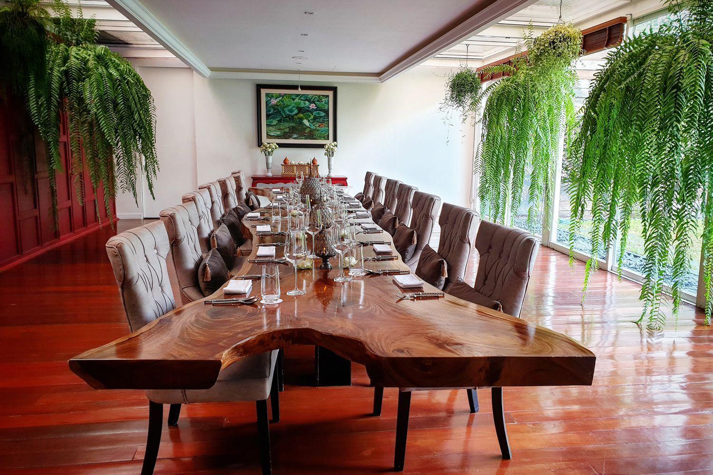 """20 ร้านที่ดีที่สุดจาก """"คู่มือแนะนำสุดยอดร้านอาหารประจำปี Tatler Thailand's Best Restaurants 2020"""""""