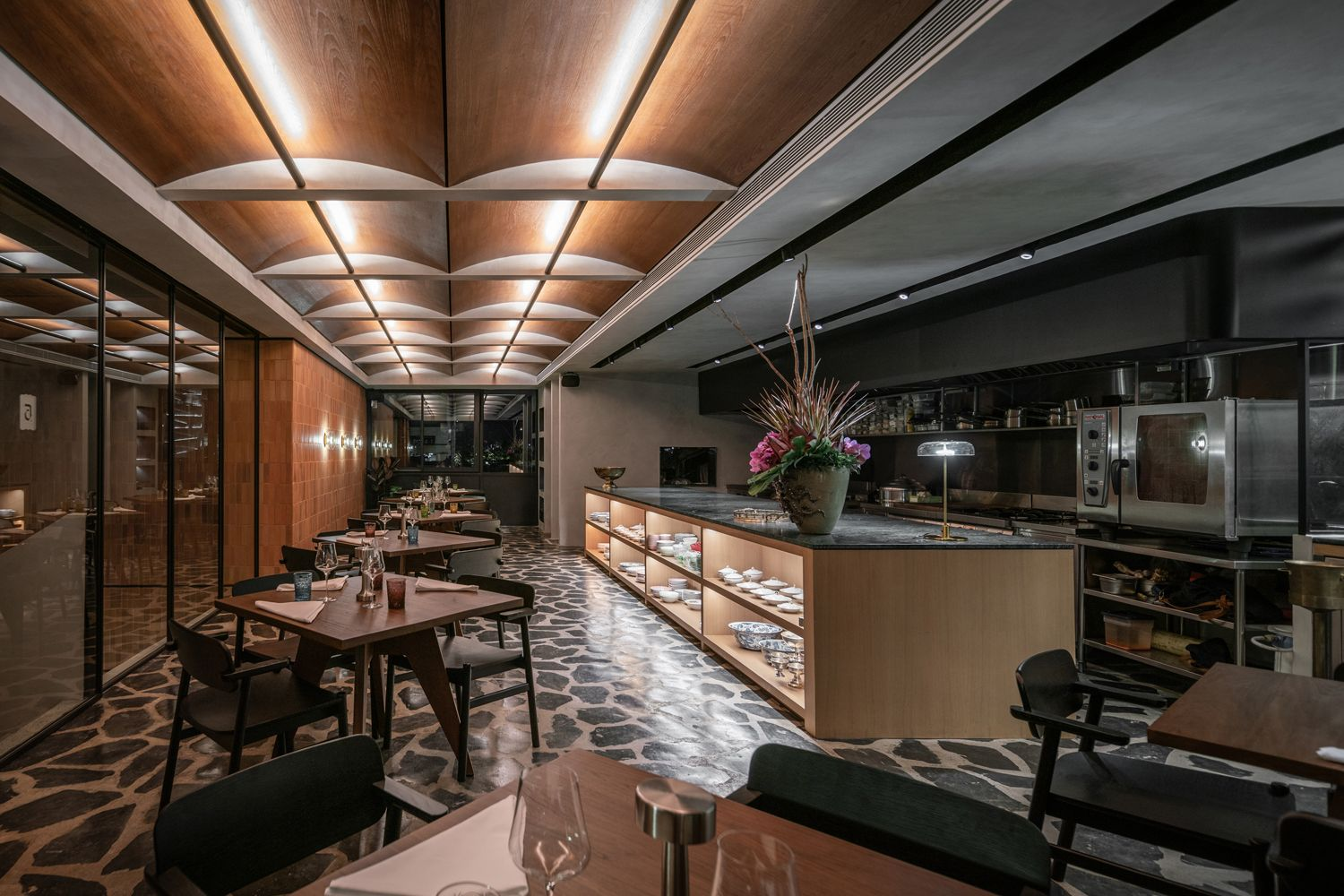 David Thompson's New Restaurant, Aksorn, Does Not Play By The Book