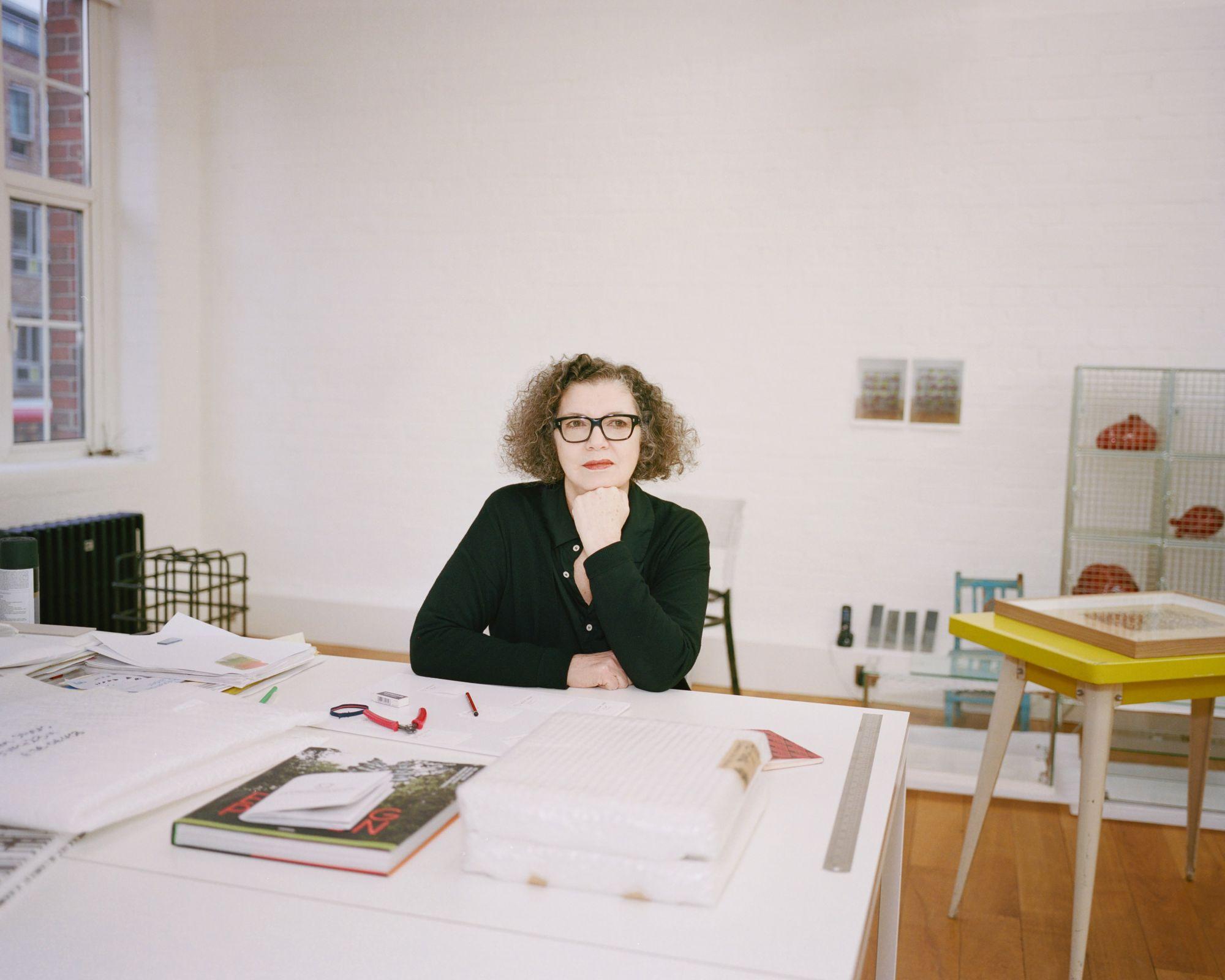 藝術家Mona Hatoum:這世界愈來愈躁動瘋狂
