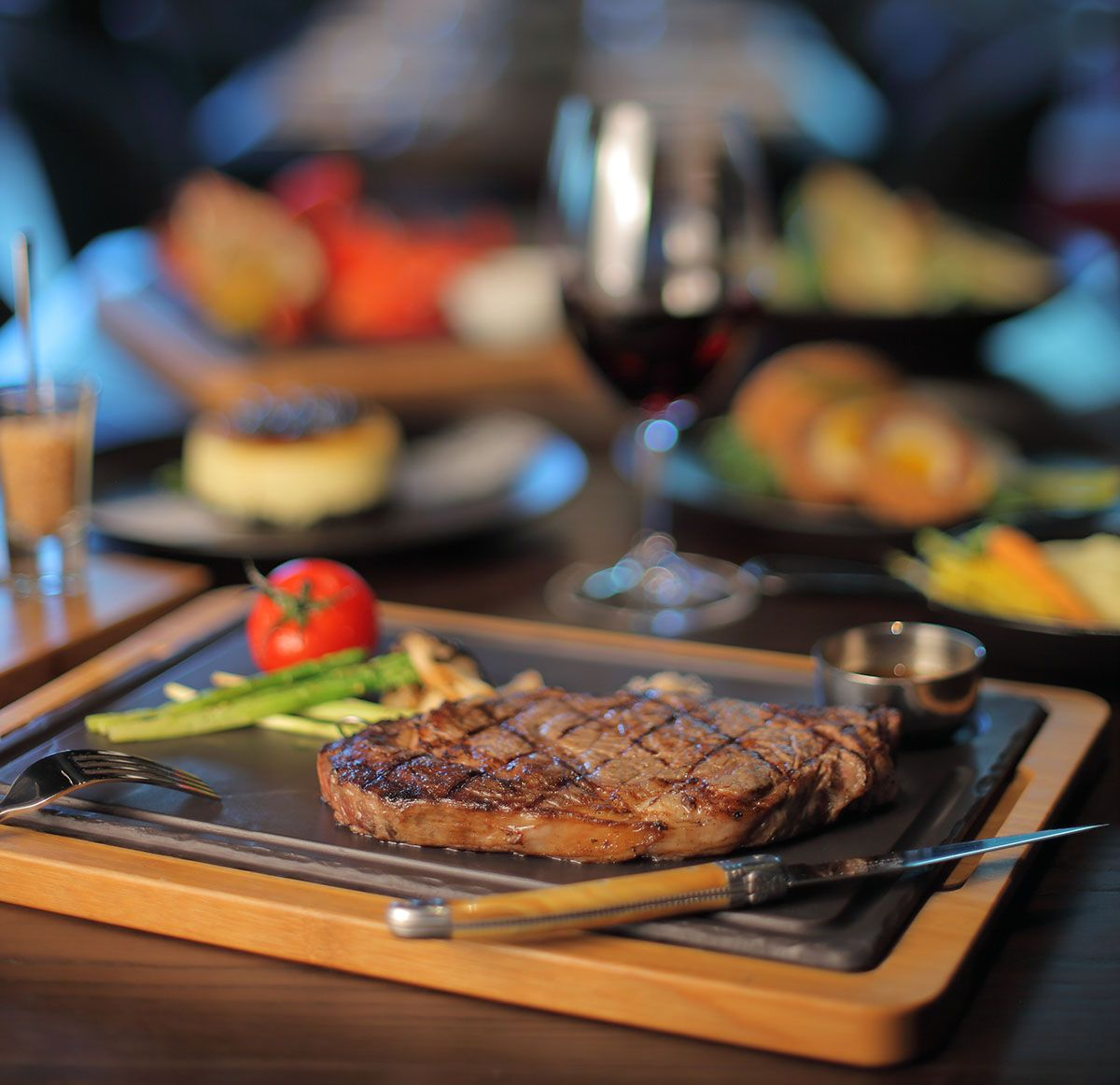 新竹英迪格酒店 Char Bar & Bistro 耀升美味熱點