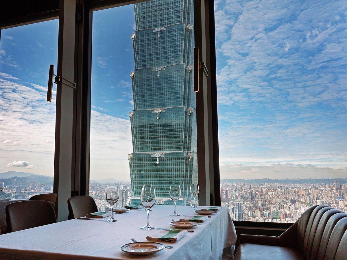 正宗美國乾式熟成牛排擴點亞洲的首間據點!微風南山47樓Smith Wollensky的高空美景為最佳賣點