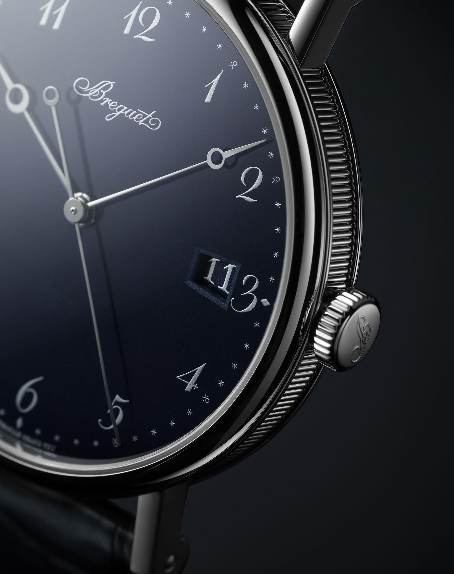 寶璣 Classique 5177 經典系列大明火藍色琺瑯腕錶展現新古典藝術格調