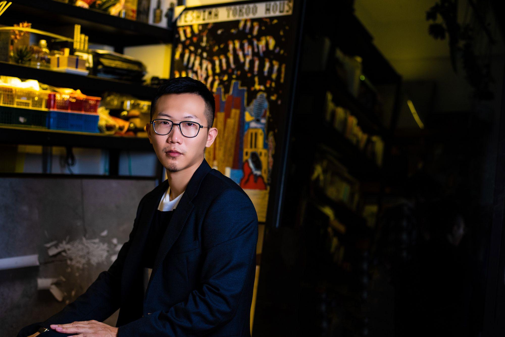 裝置藝術家莊志維:「我認為藝術家與品牌都是獨立的,我透過藝術作品去表達想說的話,而不是用商業品牌去削弱藝術精神。」