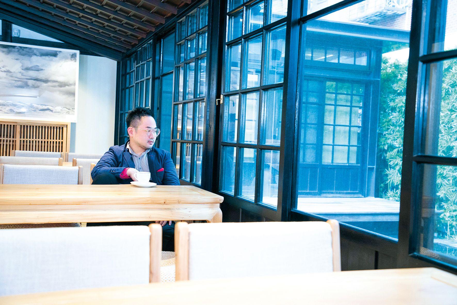 中西交融的綺麗幻夢,Jacky Tsai的藝術世界