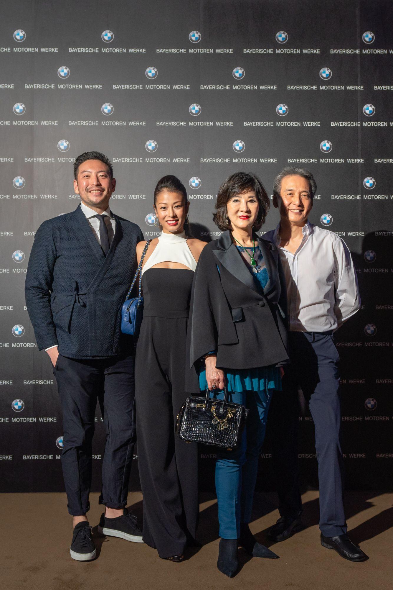 由左至右:吳祖倫、Leina Lin 伉儷及吳民德、楊麗娟伉儷
