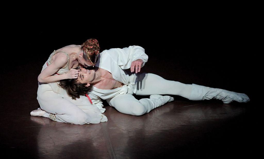 Romeo und Julia : John Cranko/ dancers: Alicia Amatriain (Julia), Friedemann Vogel (Romeo)