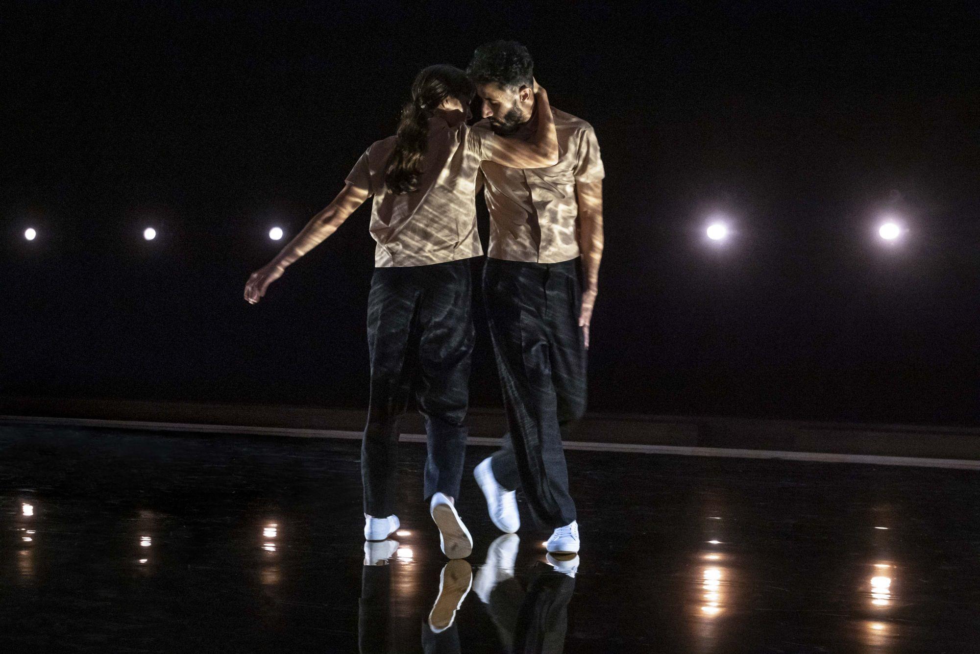 讓光影與舞者流動共舞,流光鏈影珠寶展限時登台!Hermès 珠寶部門創意總監Pierre Hardy以實驗手法開啟形意珠寶新美學