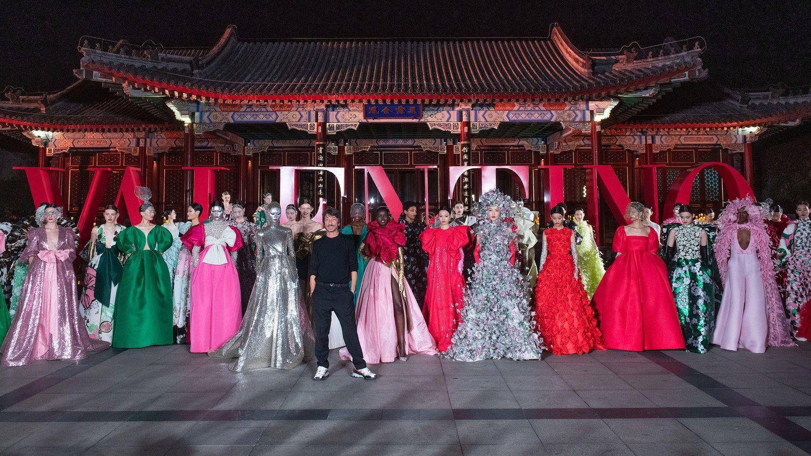 """DayDream""一場融合東西方文化的紅樓夢境,Valentino高級訂製服北京頤和園夢幻上演!"