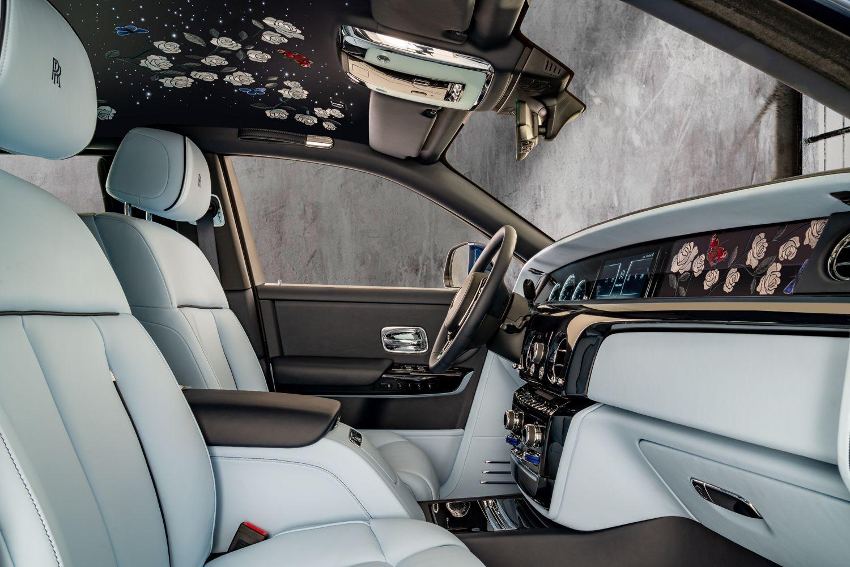 Rolls-Royce玫瑰版Phanton!100萬針細密針腳組成的刺繡藝術,為車主打造車內花園