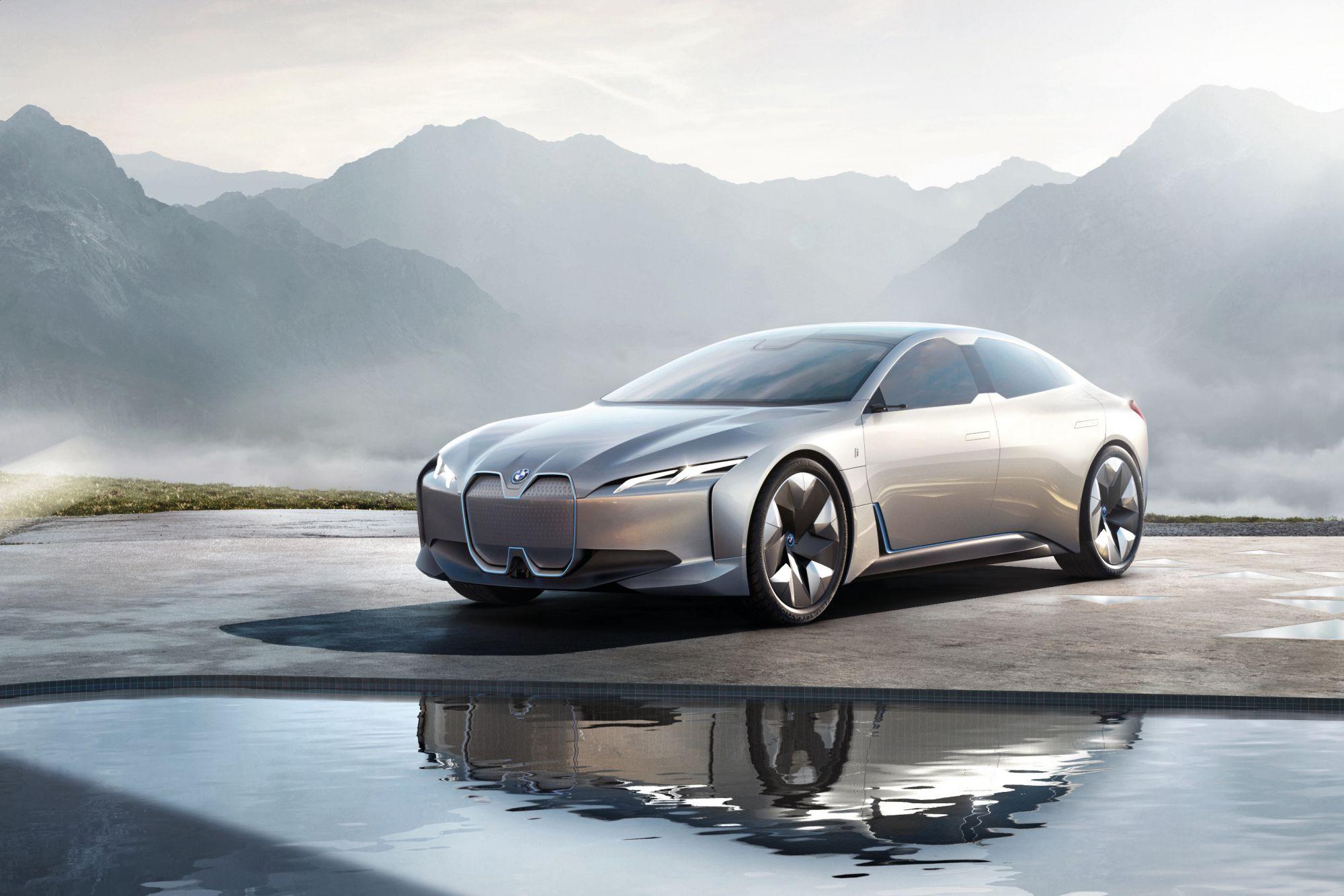 BMW總代理汎德將以「A New Form of Driving Pleasure」為主題於「2020世界新車大展」展出囊括詮釋各種形式駕馭樂趣的全新車型,其中i Vision Dynamics概念車將會是全場展車中的一大亮點