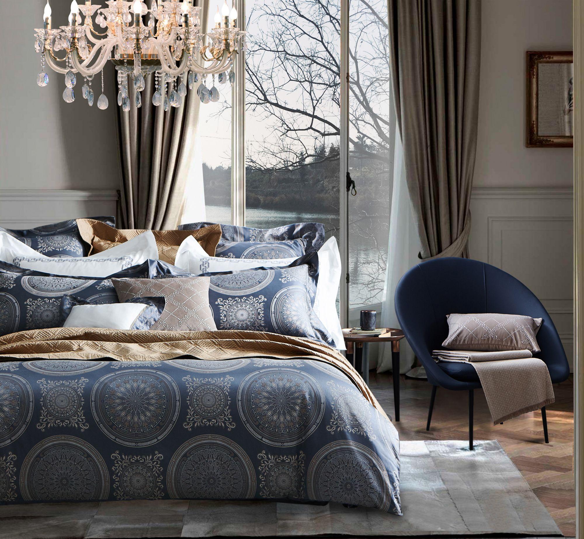 最契合2020年經典藍的2種頂級緞品緹花寢飾!用高度繁複圖騰盡顯貴族典雅氣息