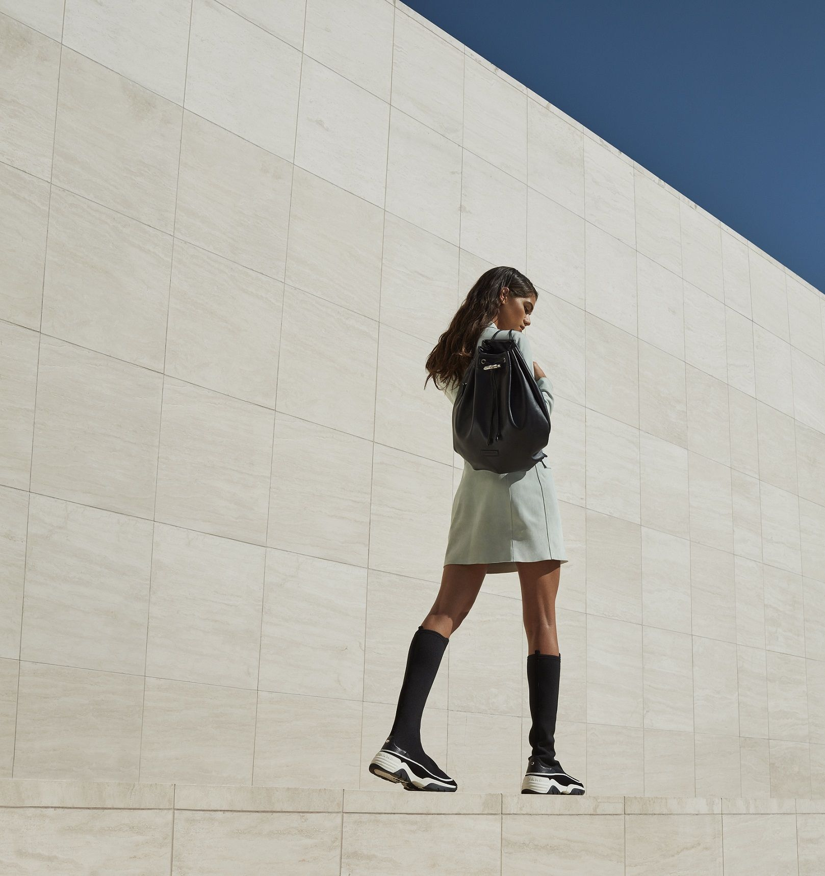 防疫也要美麗!最適合背去戶外踏青的法式小包,讓你無時無刻展現優雅運動時尚