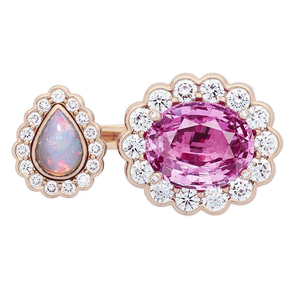 Dior et Moi粉紅藍寶石與蛋白石戒指by Dior Joaillerie。