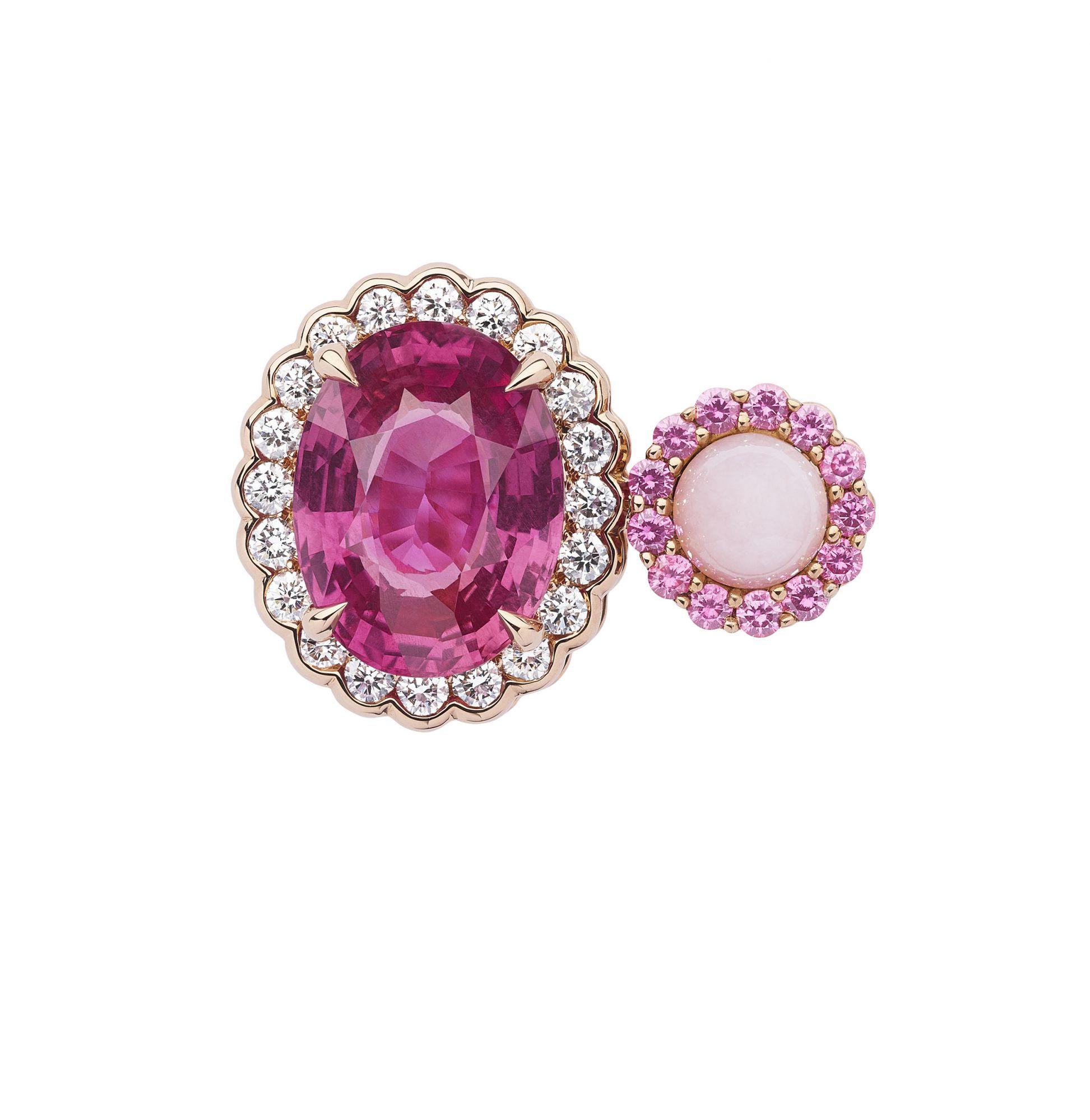 Dior et Moi 粉紅藍寶石與蛋白石戒指 by Dior Joaillerie。