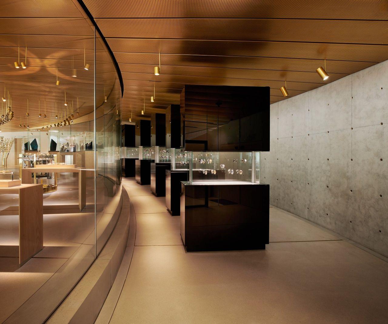 館內共展出300多件懷錶與時計by Audemars Piguet。
