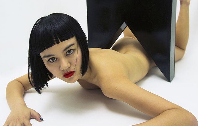 擅長用身體作為創作工具!藝術家江宥儀緊抓年輕世代目光