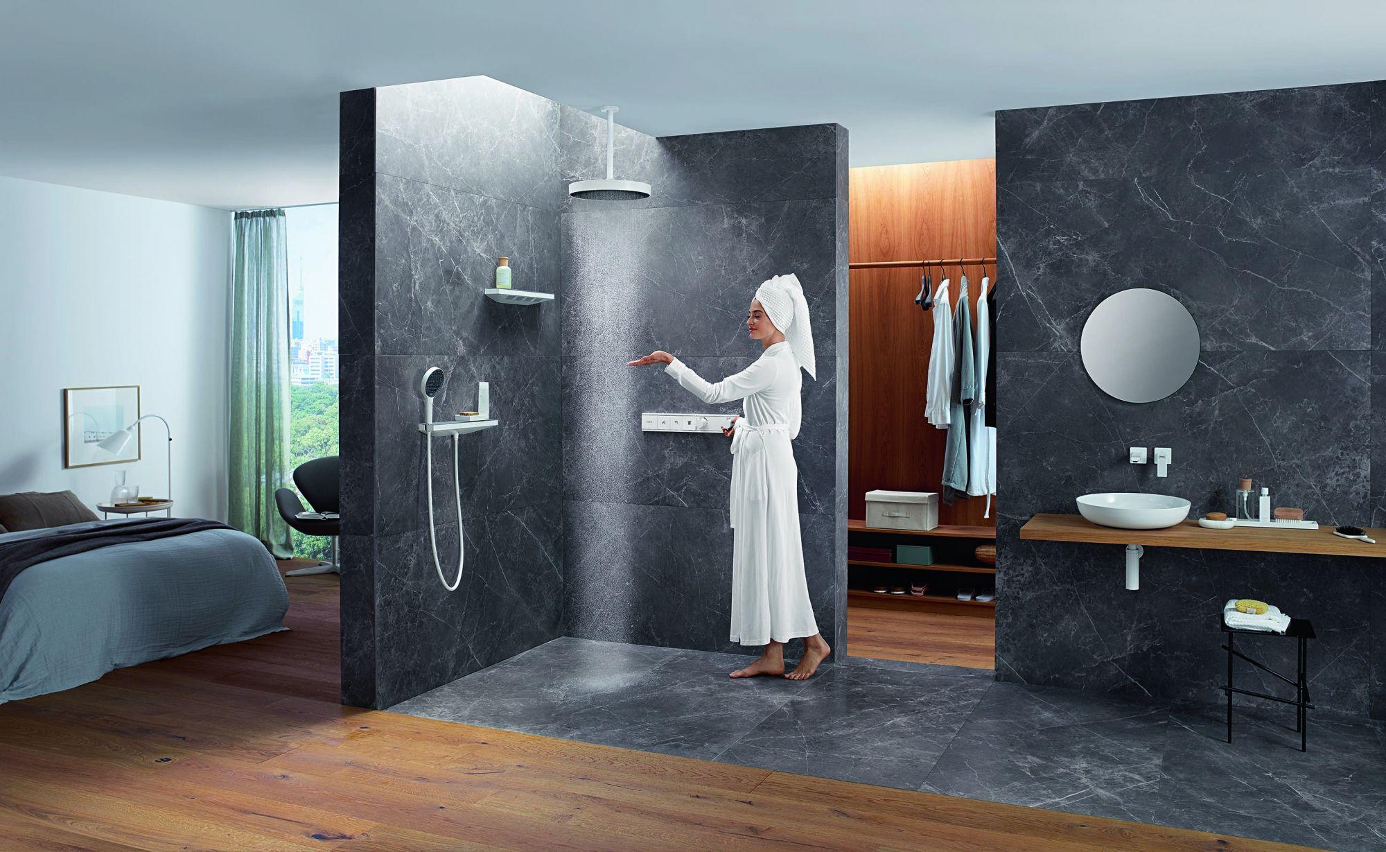全新 hansgrohe Rainfinity 淋浴系列優雅啞光白表面能賦予浴室新風貌。Image:AXOR