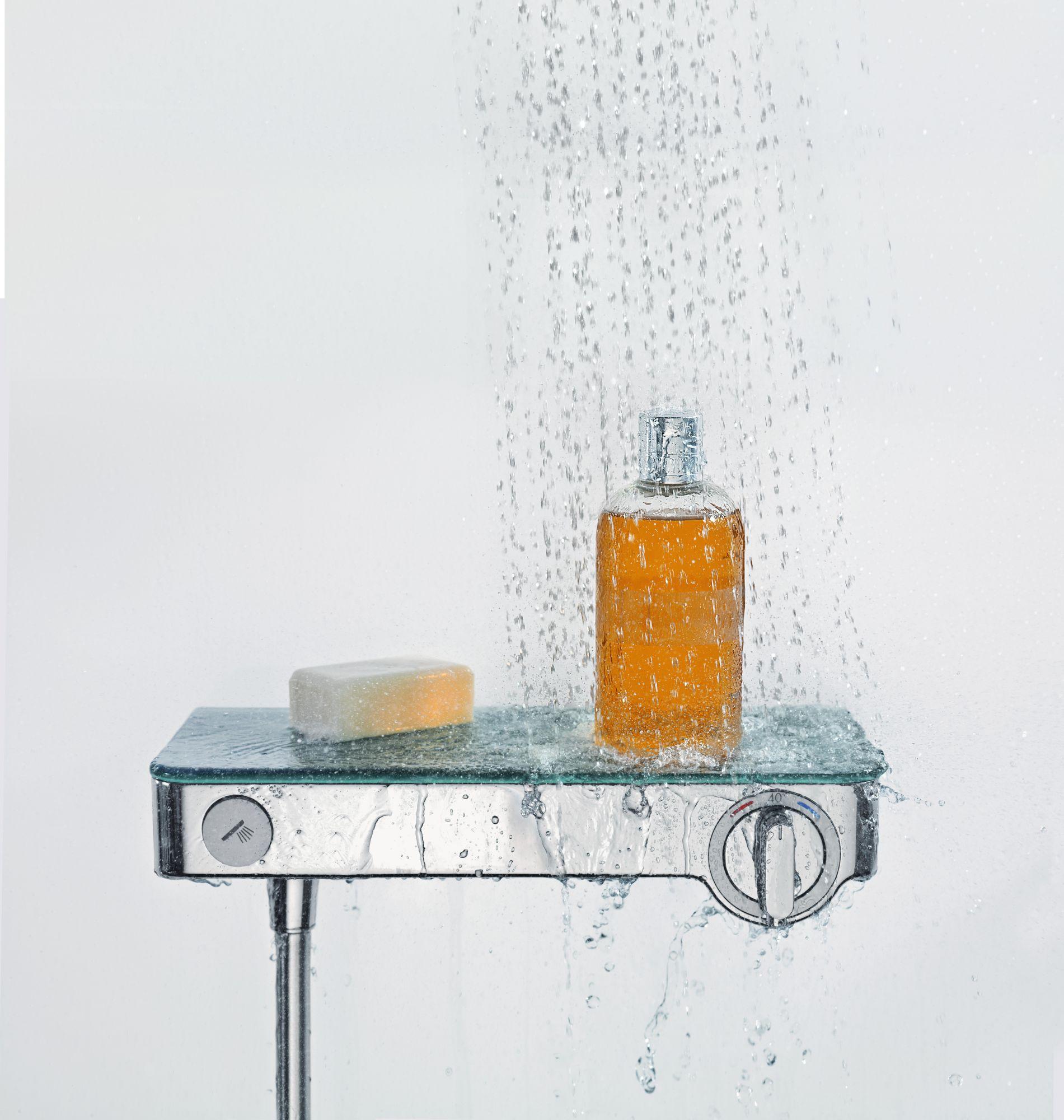 提供智慧置物空間,置物架可以放置沐浴用品,使淋浴的空間更寬敞。Image:AXOR