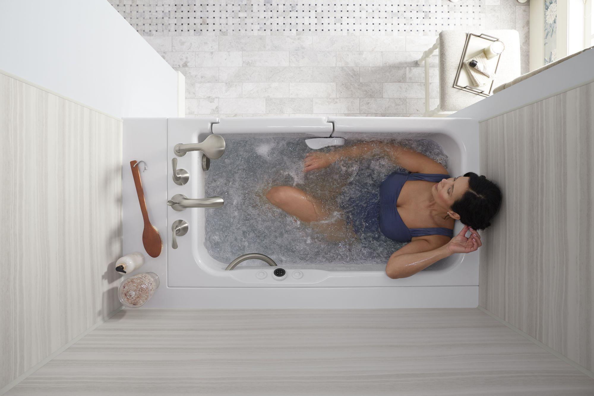 KOHLER走入式開門浴缸 Image:麗舍