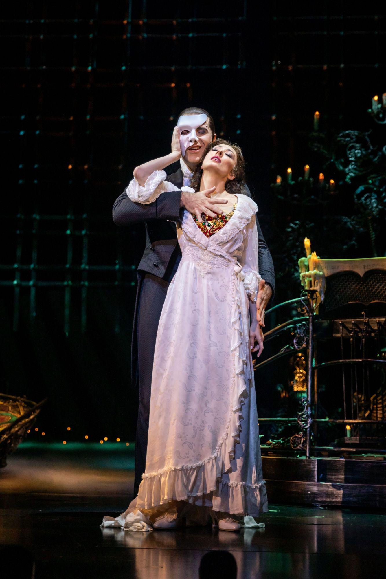 就用三倍券來看表演吧!百老匯最長壽音樂劇《歌劇魅影》四度來台,睽違六年魅影重回台北小巨蛋
