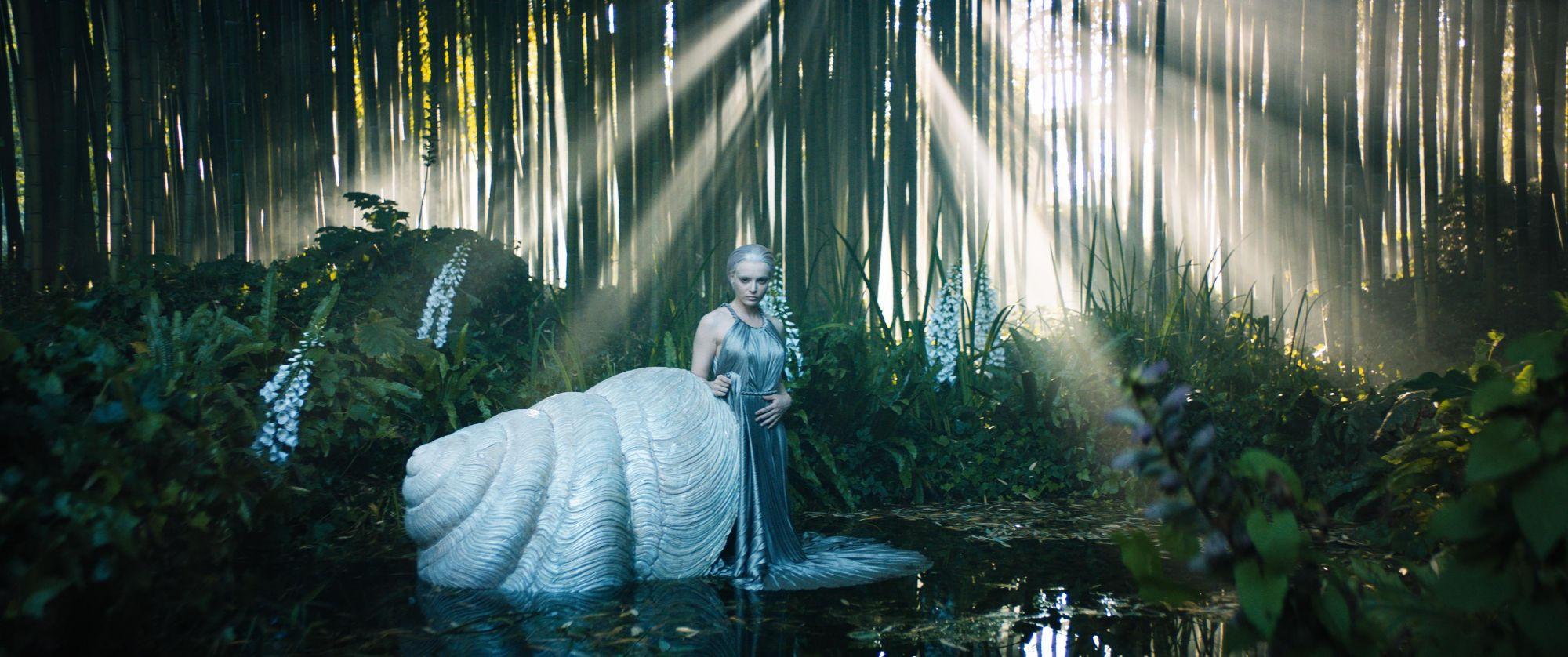 夢幻指數爆表!Dior 以「微型服裝」呈現 2020秋冬高級訂製服系列,藝術家與超現實主義工作者捍衛女性意識之作