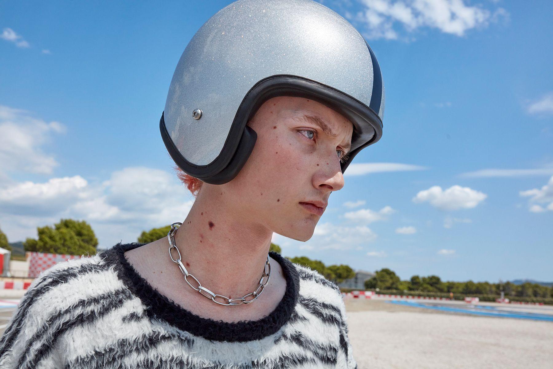 CELINE 2021春夏男裝系列:從憂鬱小生到自由奔放的滑板Boy,Hedi Slimane不一樣了嗎?