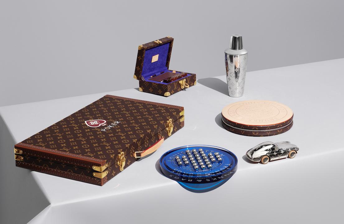 Louis Vuitton撲克遊戲箱、骰子遊戲箱、跳棋套裝、搖酒器、紙鎮。