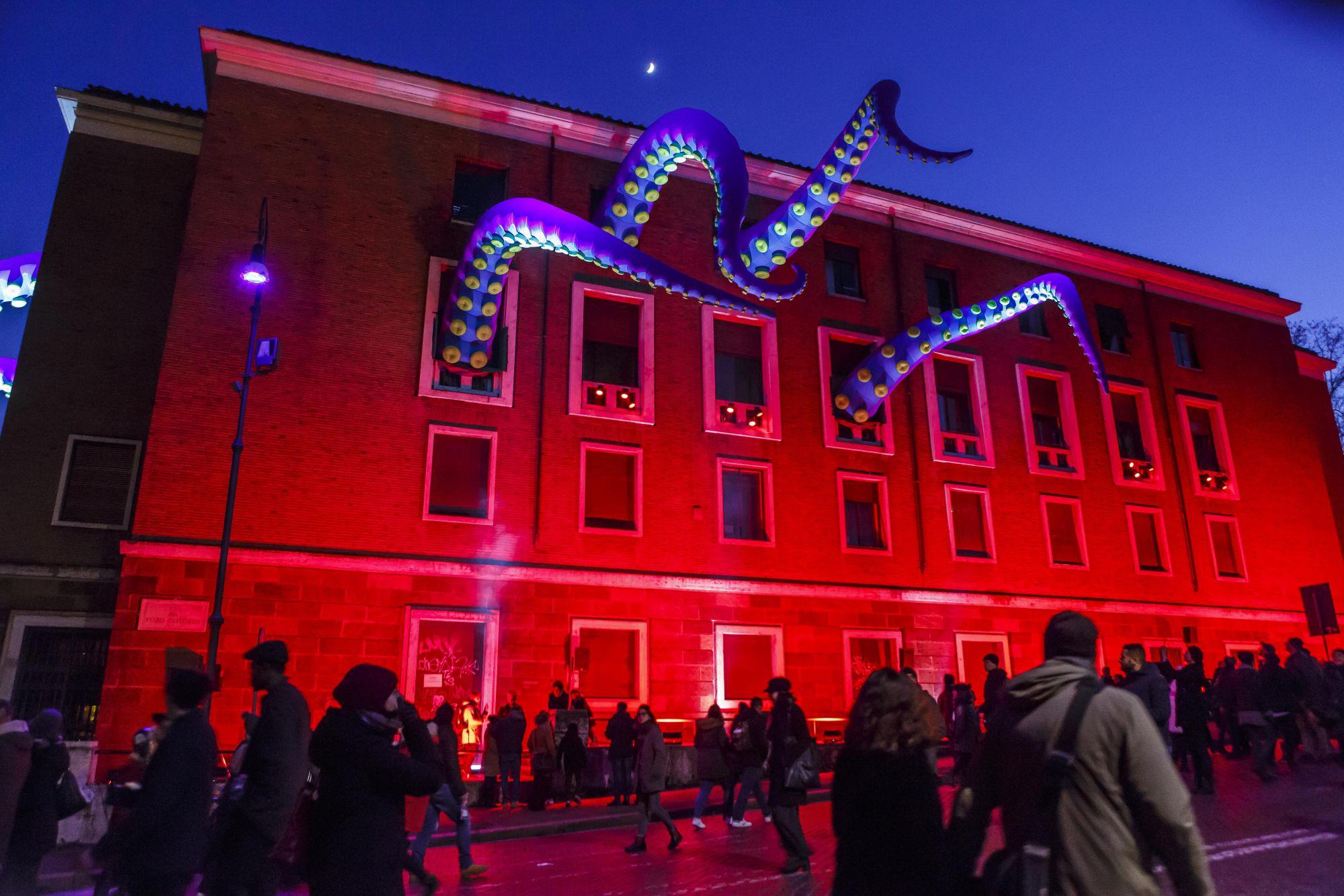 英國藝術家Filthy Luker的大型裝置藝術《章魚入侵》將設置在活動B區。