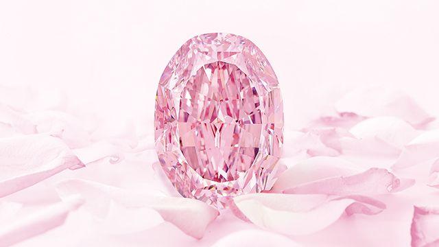 逾7.5億新台幣落槌!蘇富比14.83克拉頂級紫粉紅鑽「玫瑰花韻」刷新紫粉紅鑽世界拍賣紀錄!