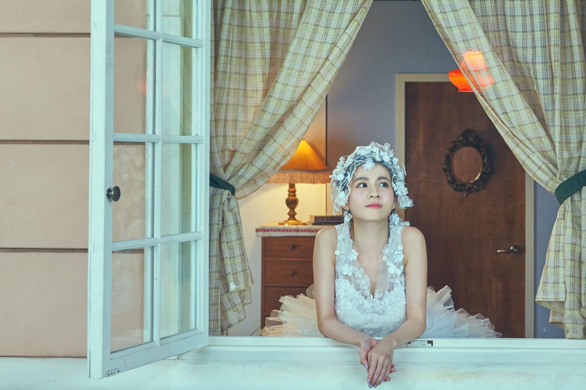 曾演出「故宮×青春」影片女主角連俞涵,詮釋晉代王羲之〈快雪時晴帖〉,飾演褪去一襲華服的女明星。