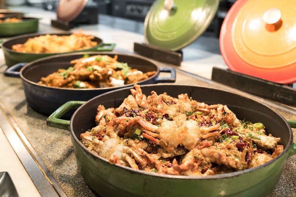 敘日全日餐廳餐檯提供多種蟹料理吃到飽