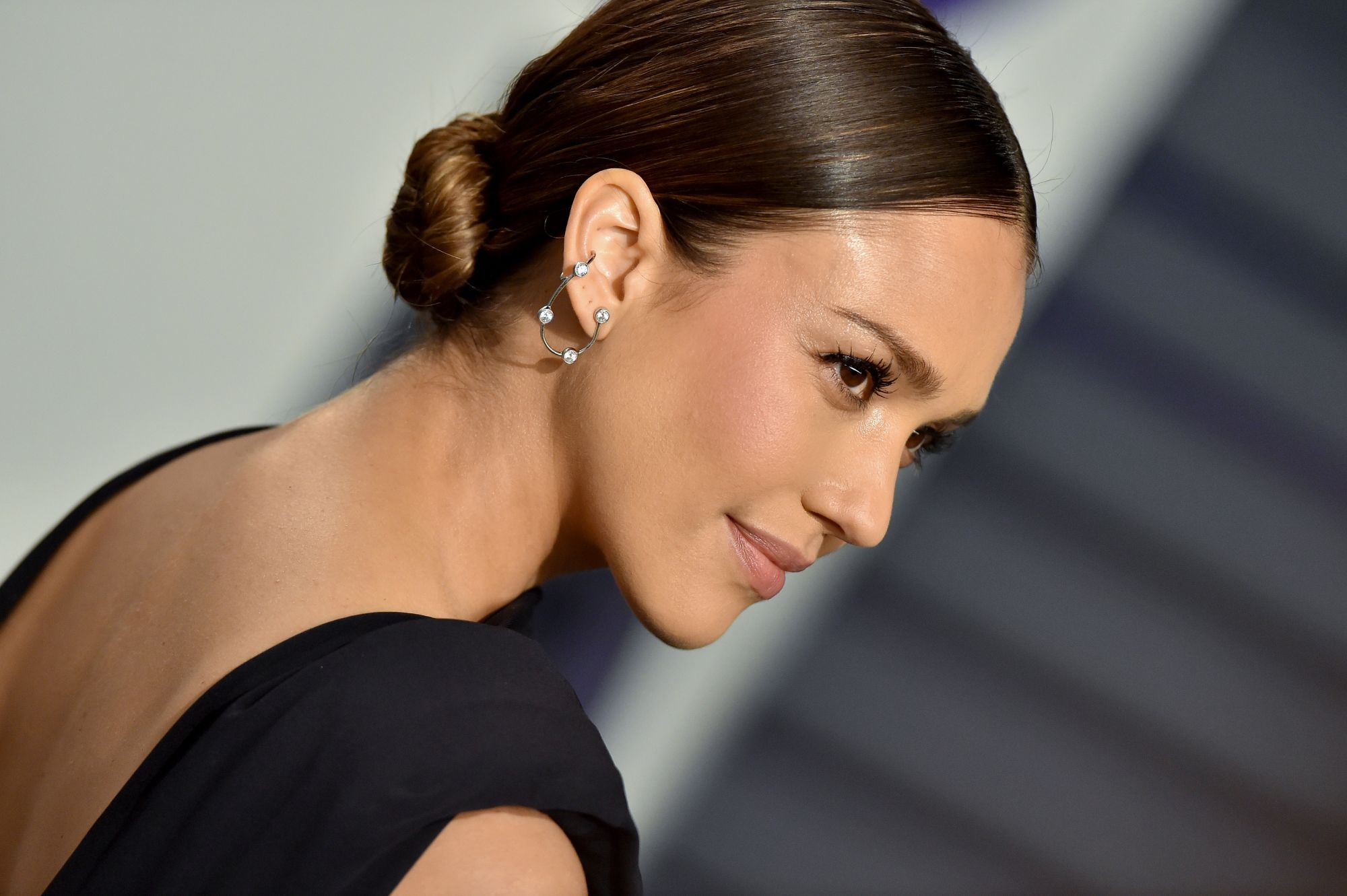 BEVERLY HILLS, CALIFORNIA - FEBRUARY 24: Jessica Alba attends the 2019 Vanity Fair Oscar Party Hosted By Radhika Jones at Wallis Annenberg Center for the Performing Arts on February 24, 2019 in Beverly Hills, California. (Photo by Axelle/Bauer-Griffin/FilmMagic)