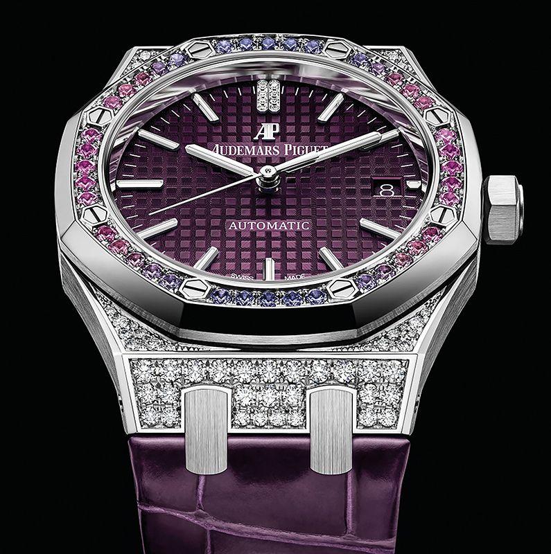 皇家橡樹系列腕錶 by Audemars Piguet。
