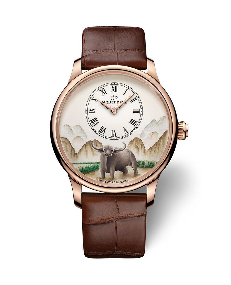 微繪水牛紅金時分小針盤腕錶 by Jaquet Droz。