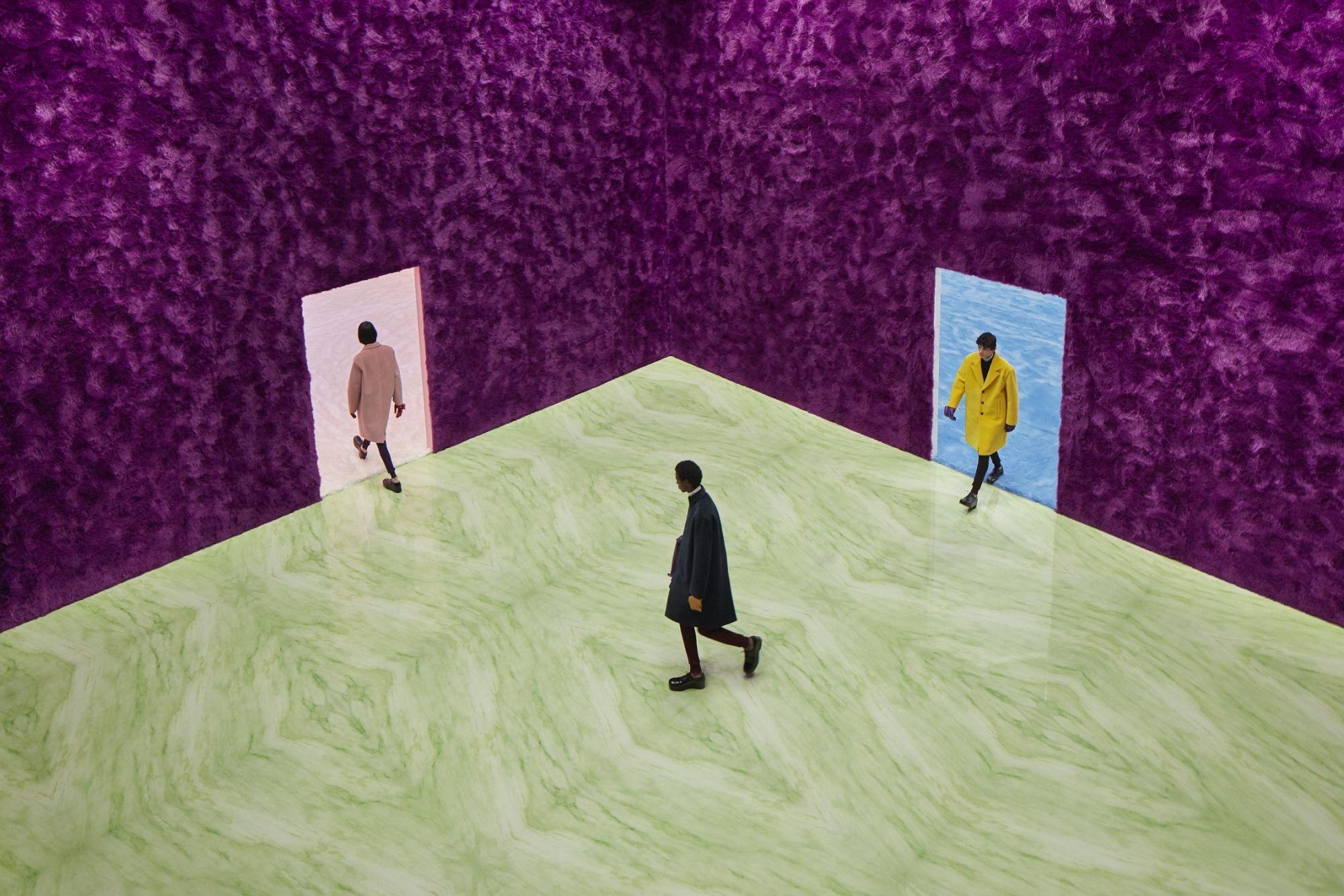 Prada 2021秋冬男裝:極簡廓型+對比色塊的 Prada 男孩,Raf Simons 風格制霸秀場設計