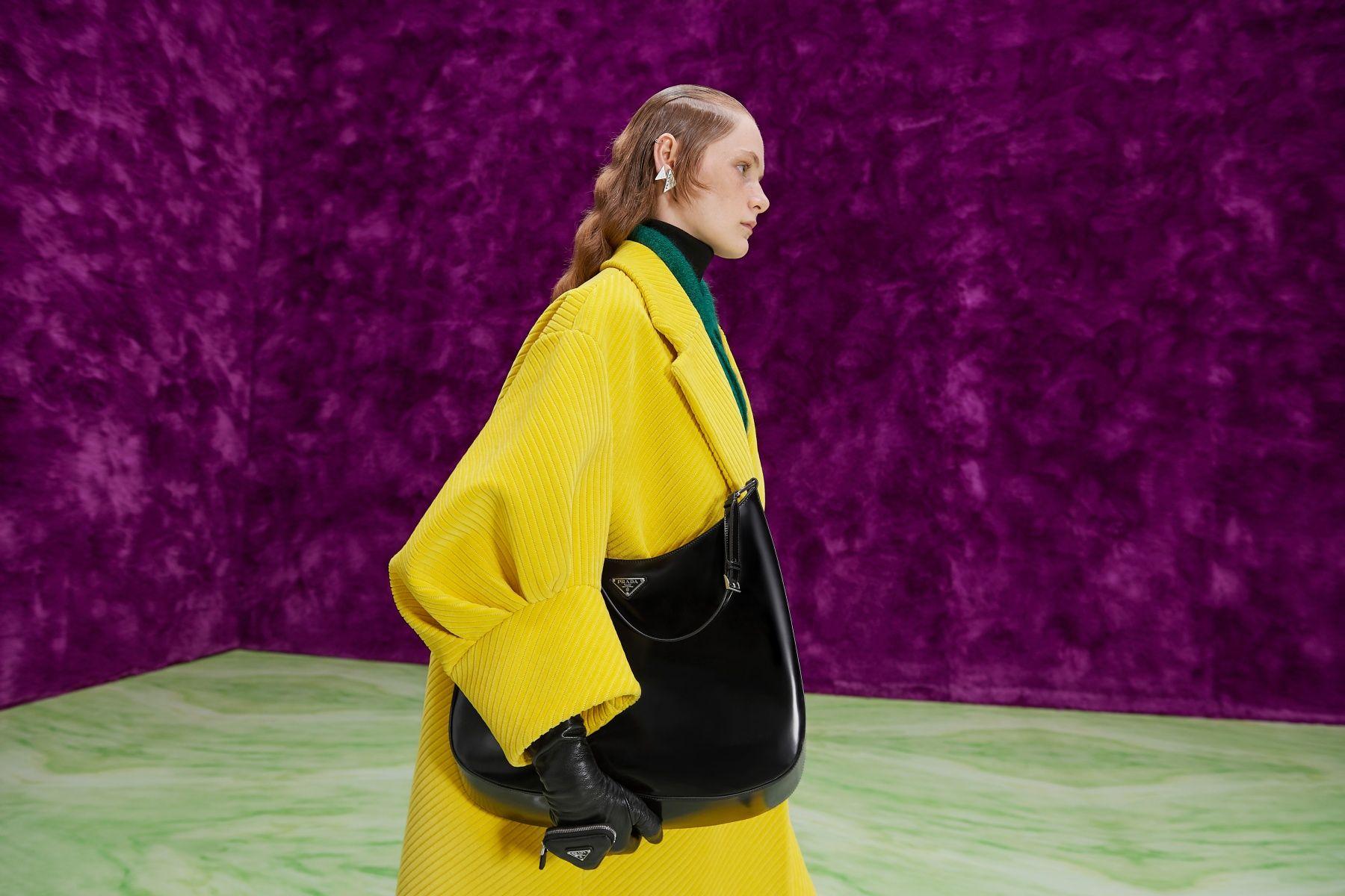 Prada 2021 秋冬女裝:Raf Simons 真的不是預算不夠,一樣的秀場和服裝為何大受好評?