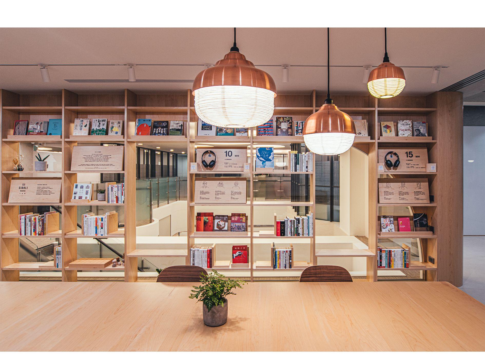 永續理念的 Plan b 將台南的富邦銀行變得好文青?用「20% 空間改造學」銀⾏這樣設計超有感!