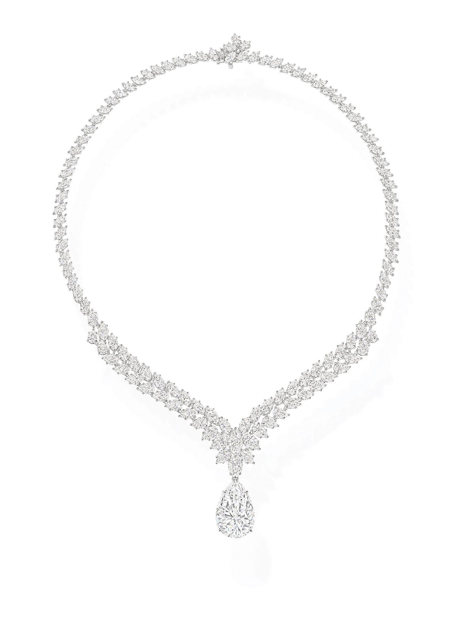 主石為Type IIa型的頂級珠寶系列水滴型切工鑽石項鍊。