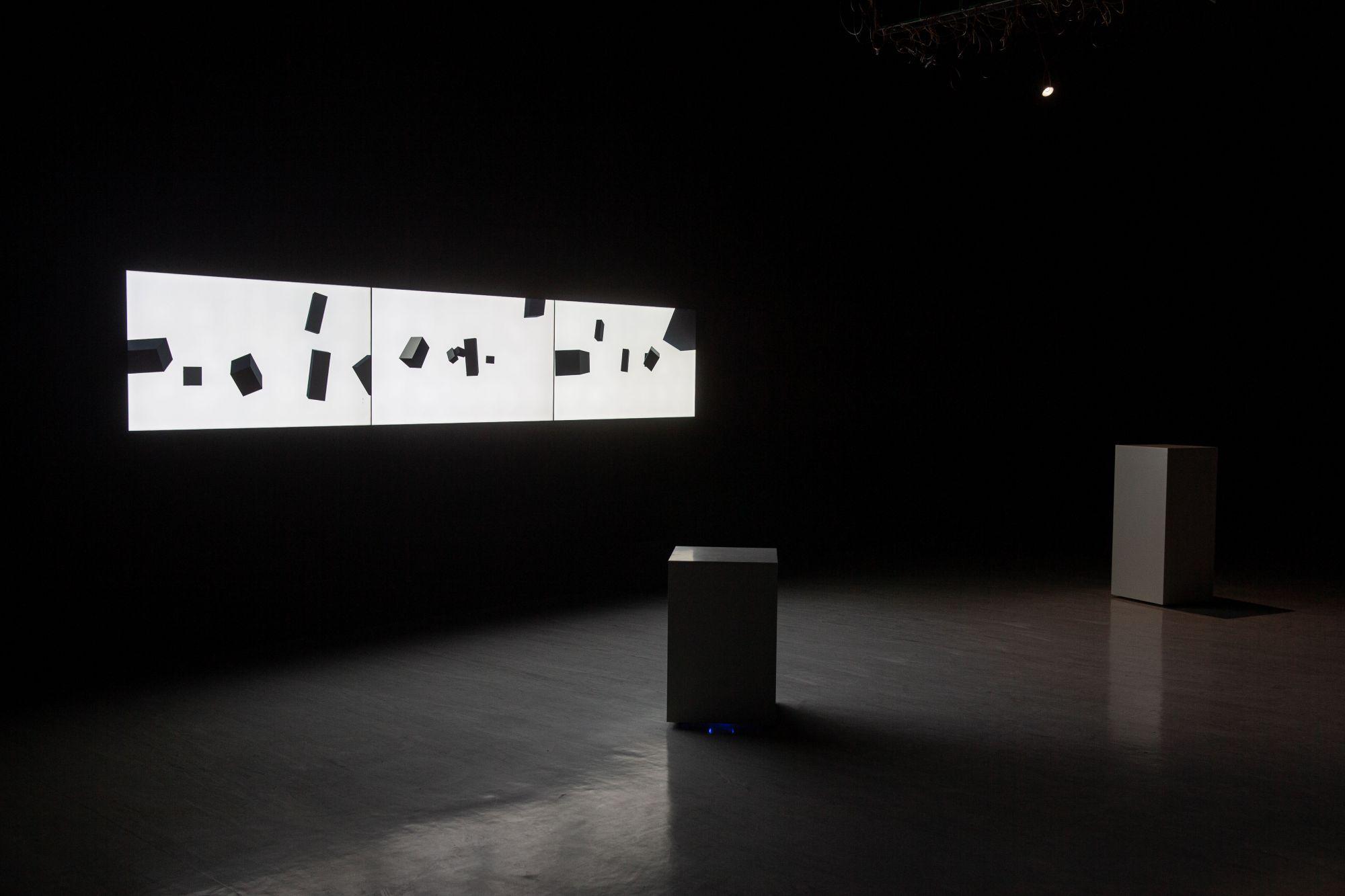鄭先喻,〈invariable variation〉,機械裝置、顯示器,2020,尺寸依場地而定,臺北市立美術館提供。