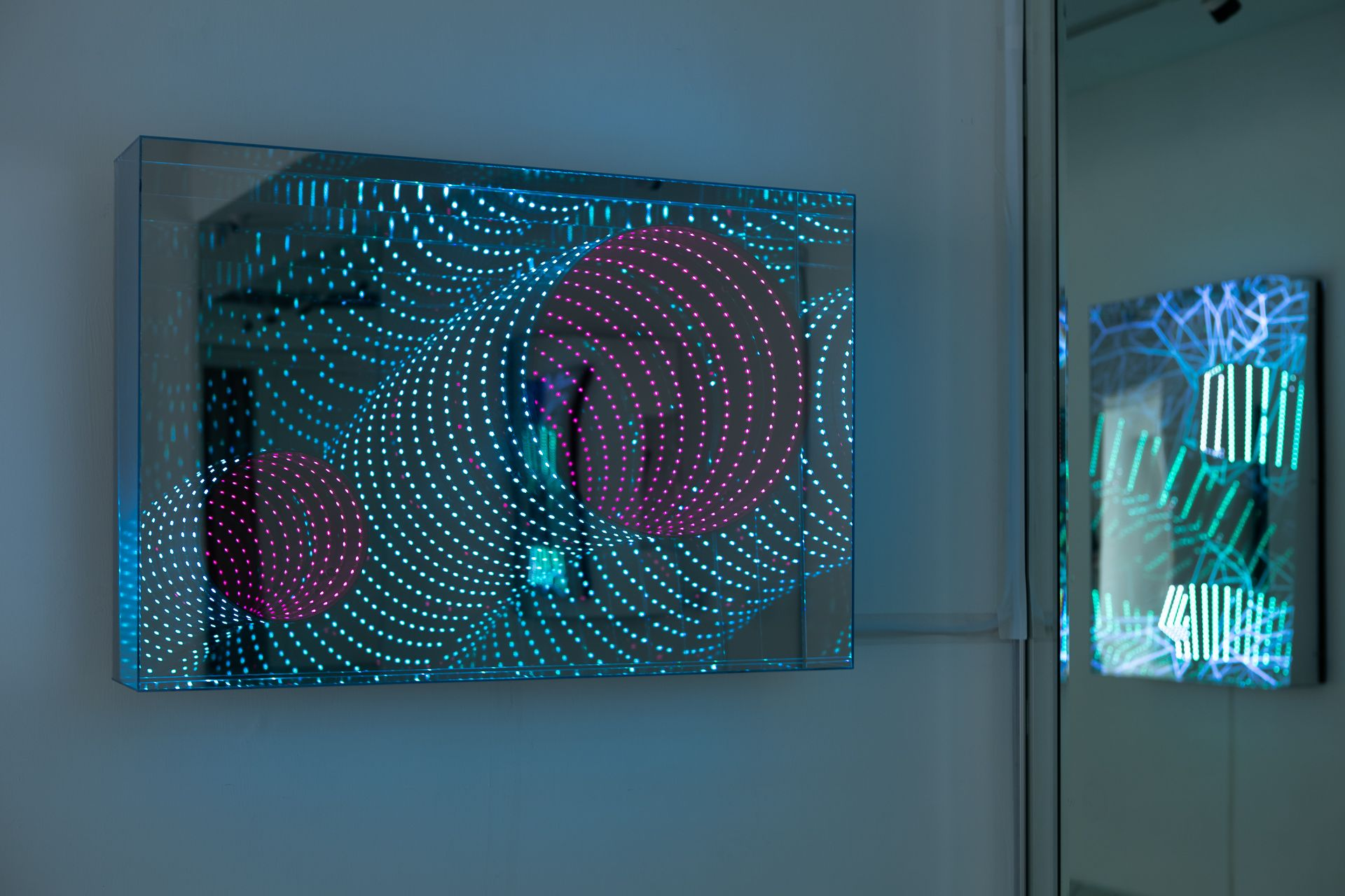 Bluerider ART漢斯卡特個展「Beyond Light 光徑」。(圖Bluerider ART提供)