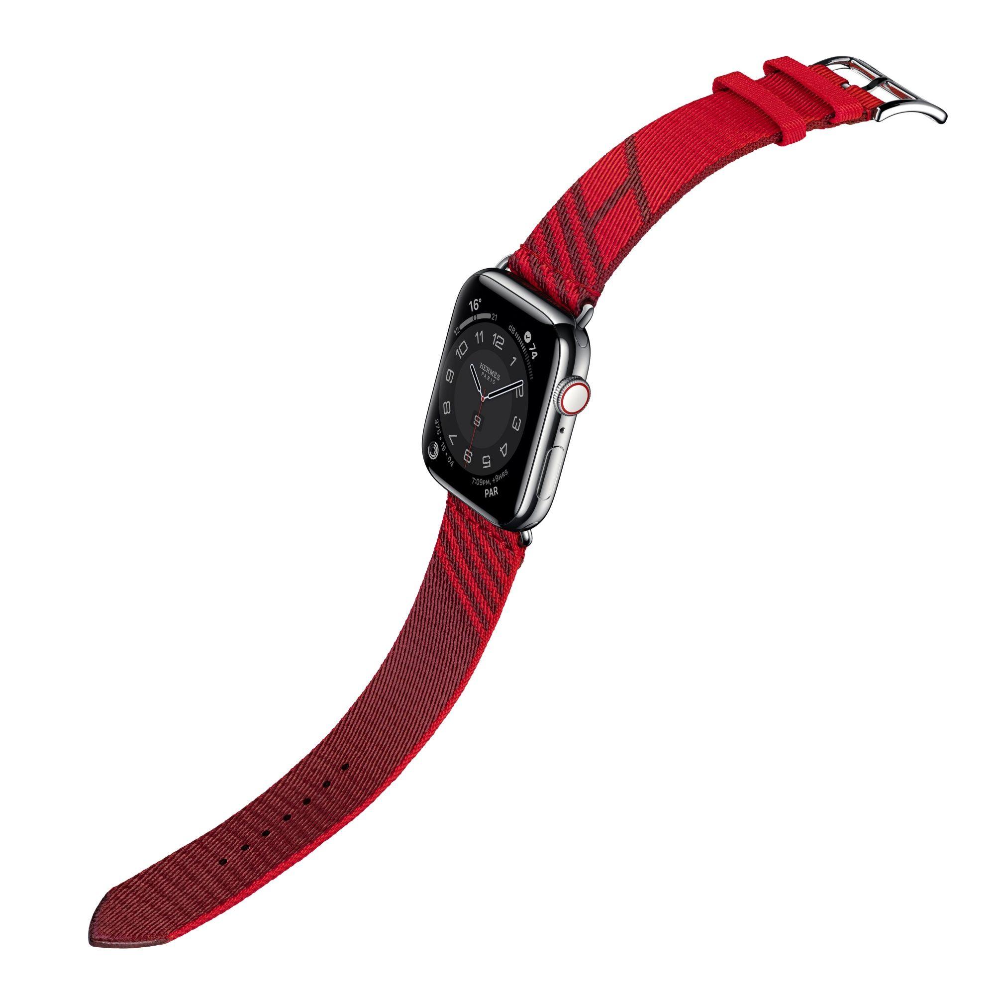 第六代 Apple Watch Hermès Jumping 圖紋印花系列織帶錶款(愛心紅與愛馬仕紅),建議售價 NT$9,900