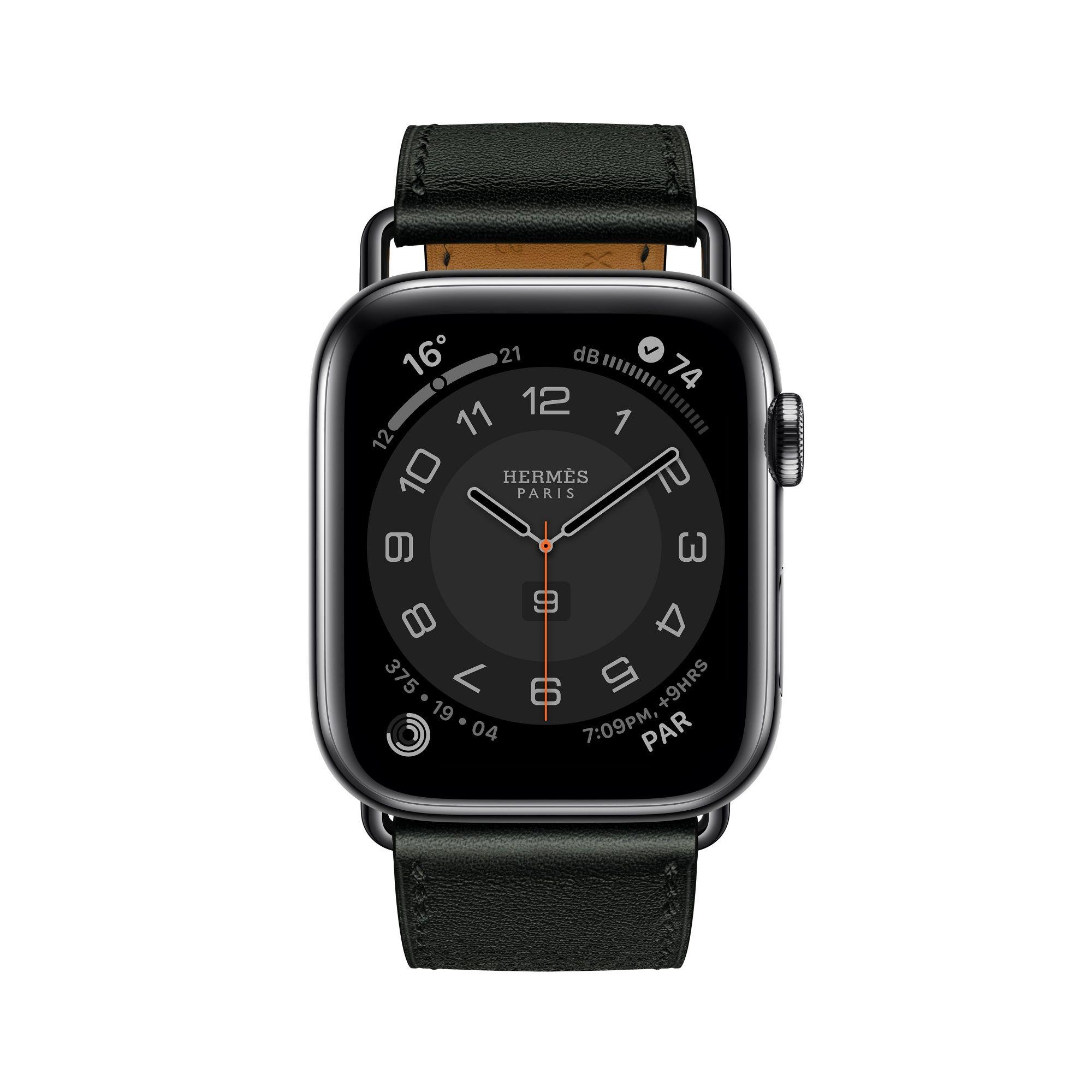 第六代 Apple Watch Hermès_Attelage 系列(44mm 錶殼)黑色單圈 Swift 小牛皮錶帶錶款(單錶帶),建議售價 NT$10,900