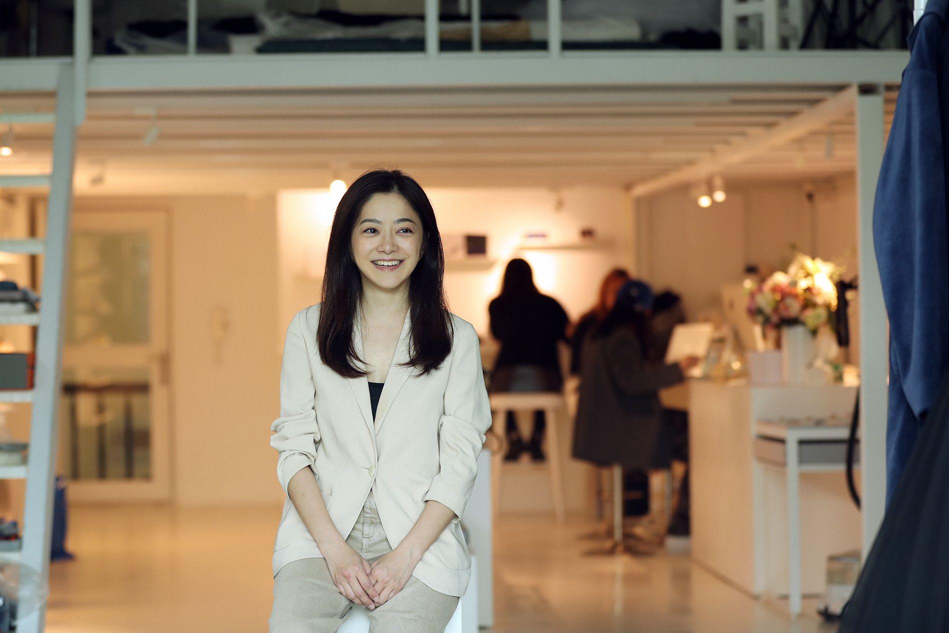 C Jean 創辦人暨服裝設計師簡君嫄,以時尚探索「永續」、「環保」的未來趨勢