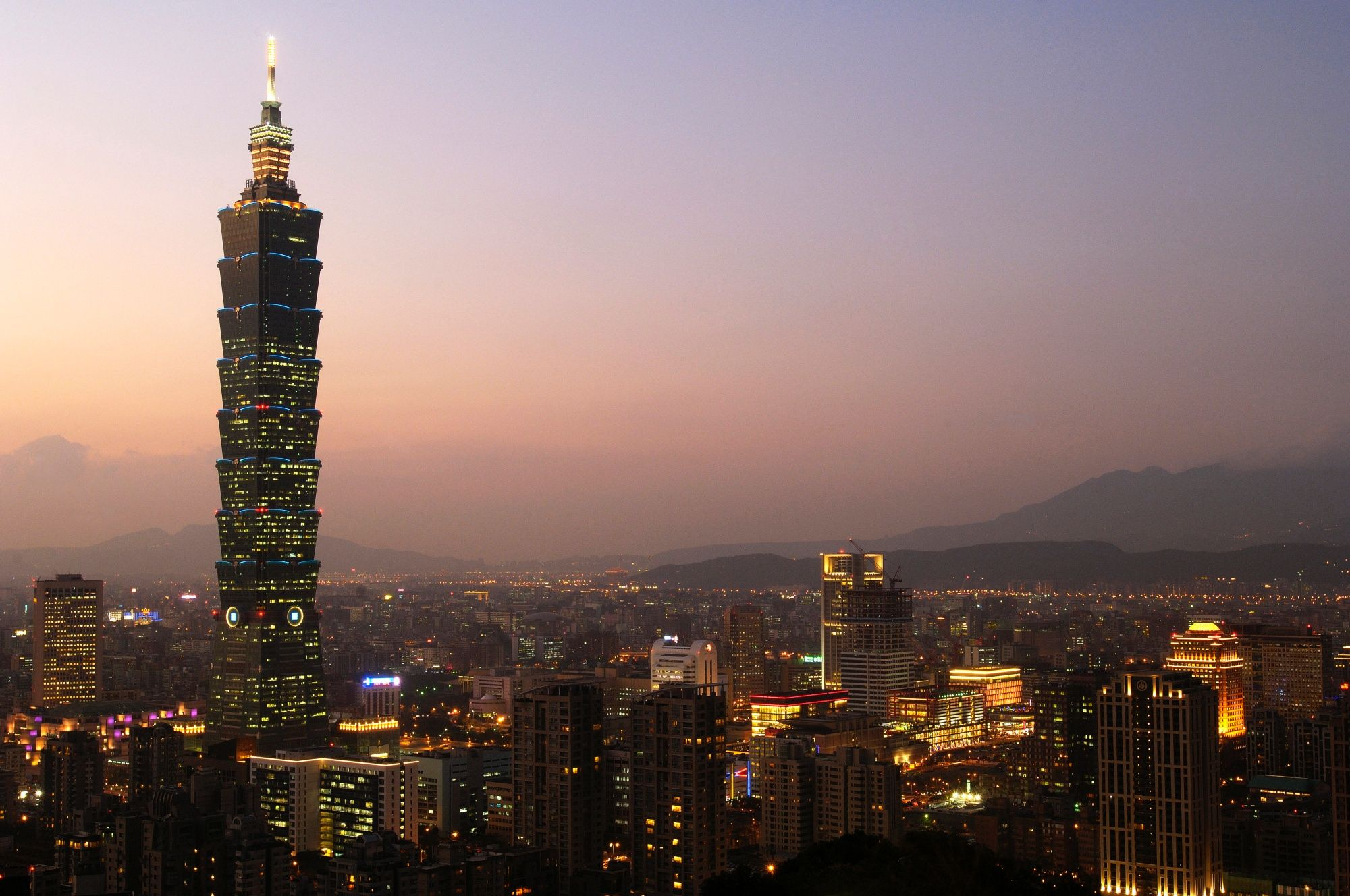 TAIPEI, TAIWAN - 2007/11/13: Taipei's Eastern district or Hsini District, with the Taipei 101 tower, is seen from Elephant Hill, a popular city viewpoint.. (Photo by Alberto Buzzola/LightRocket via Getty Images)