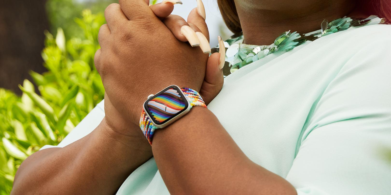 6 月同志驕傲月:Apple Watch 推全新彩虹版錶帶