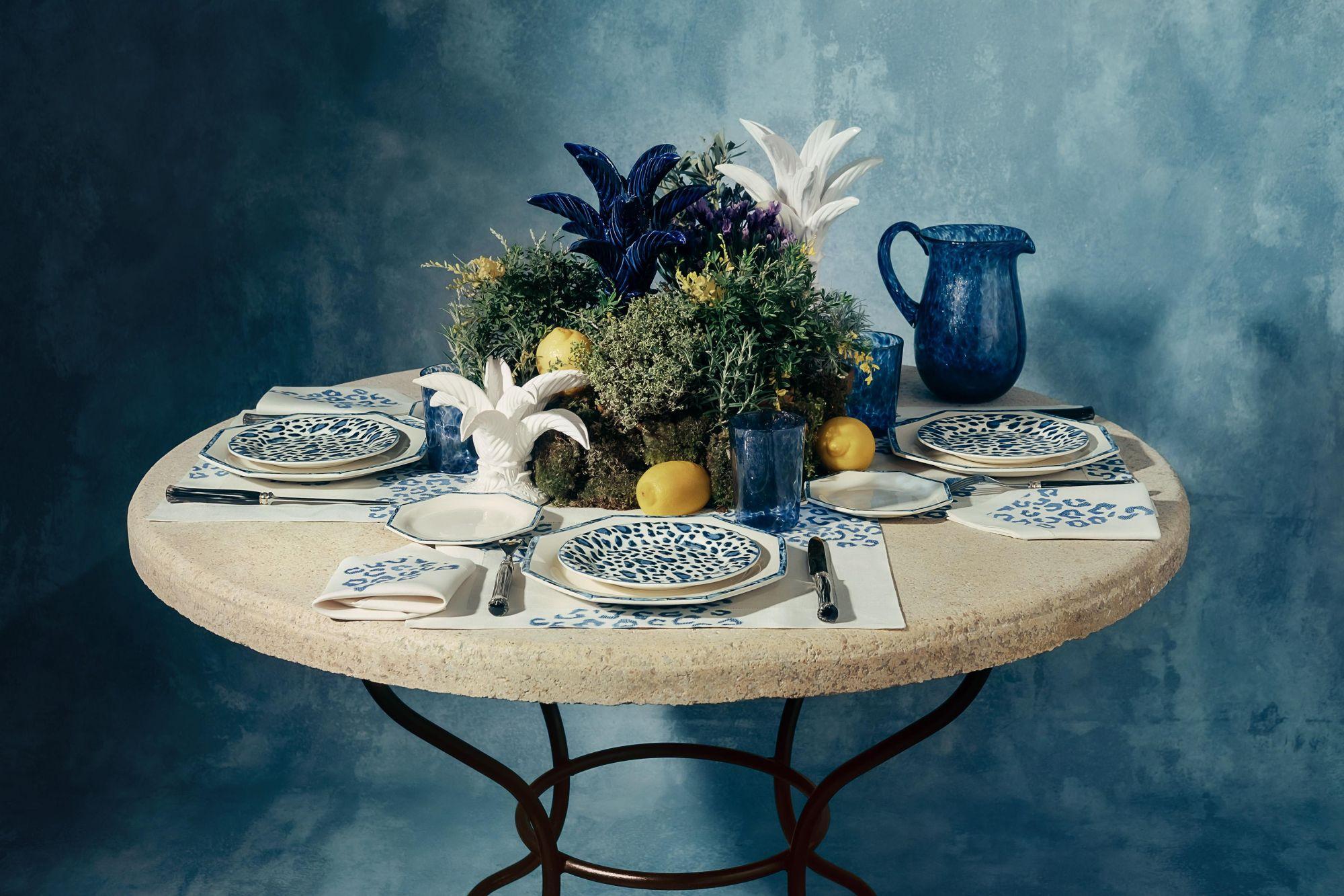 Dior 私藏 5 個「仙氣翩翩」家飾系列,迪奧先生小花園、神秘塔羅牌⋯⋯你認得幾個秀上招牌圖樣?