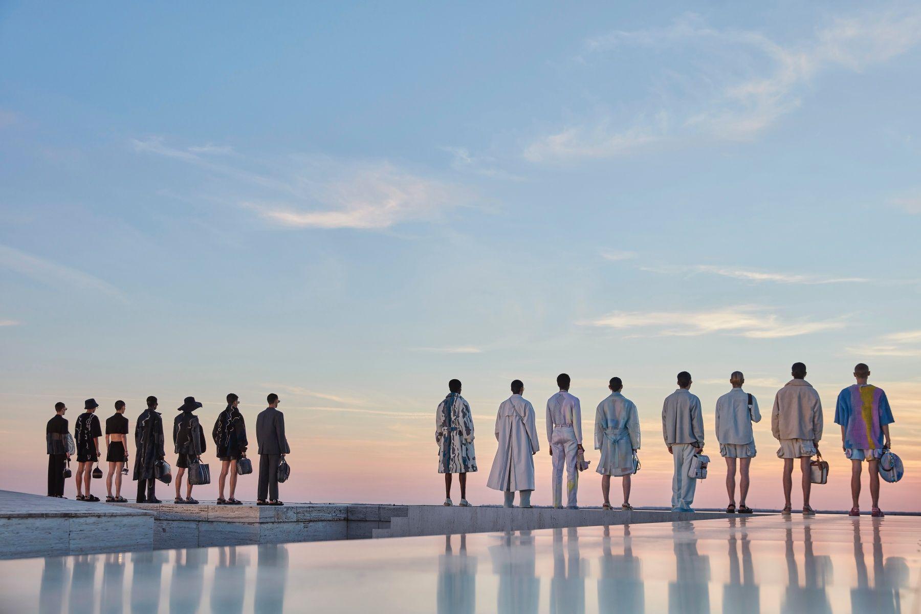 Fendi 2022 春夏男裝 7 大亮點一次看:大露螞蟻腰、解放雙腿,重新定義男人味