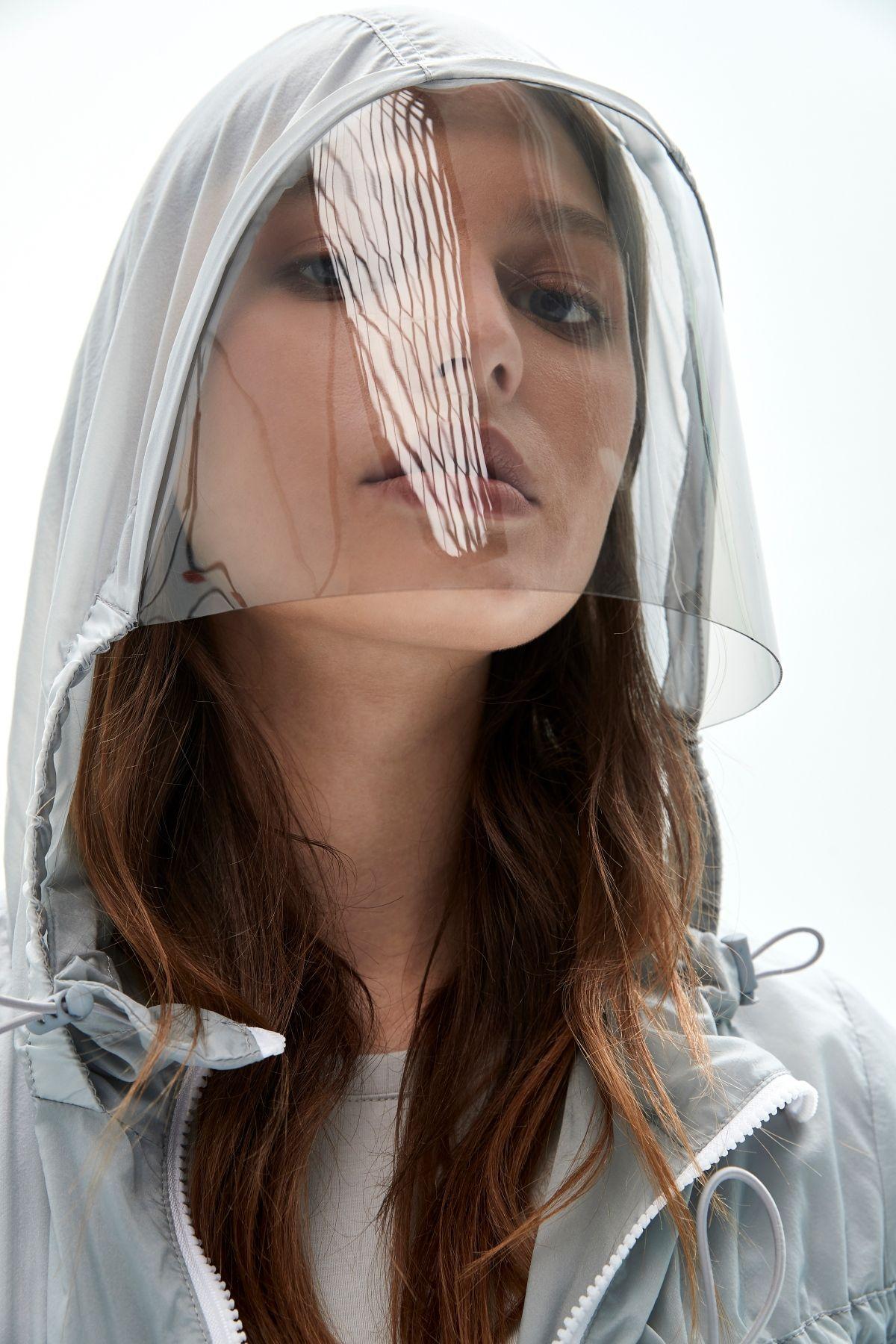 iROO「繽紛衣」系列不僅防飛沫,也有抗 UV 的功能。